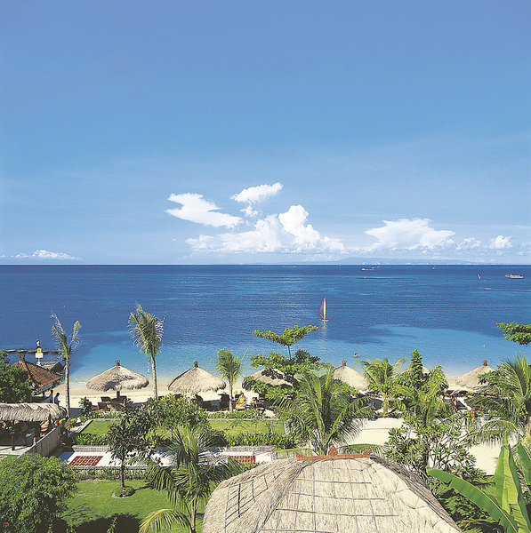 Bali Beach House: First Travel Utazási Iroda