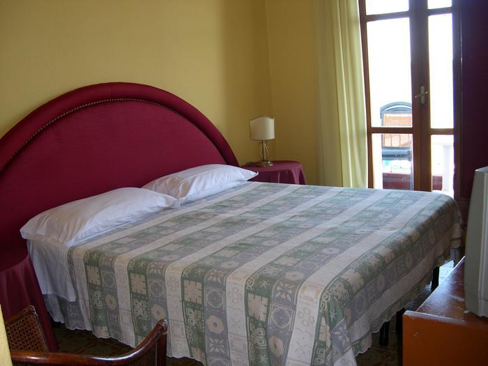 Szicília-Giardini Naxos szállások | First Travel Utazási Iroda - Telefon: +36 (1)